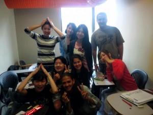 Ms. Haruna Sato 教室でたけのこの山を振舞った時